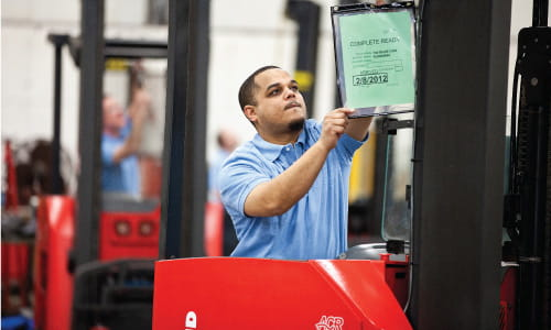 Forklift repair for Crown, Hyster, Yale, Toyota and all lift truck brands